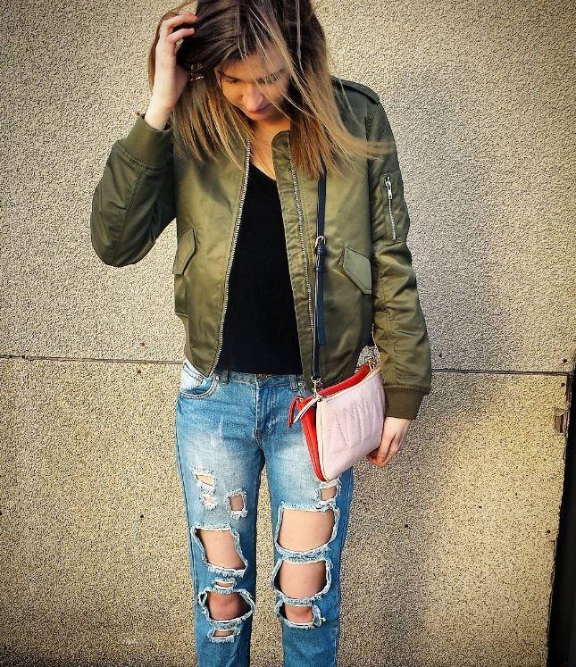 Tough but girly 💕 Talula Bomber Jacket size S $30, Talula Tank size S $12, Coupe Garconniere Boyfriend Jean's size 5/6 $15, Anna Sui Purse $125 #platosclosetoakville #talula #tough #girly #bomber #bomberjacket #boyfriends #velvet #anna #annasui | www.platosclosetoakville.com