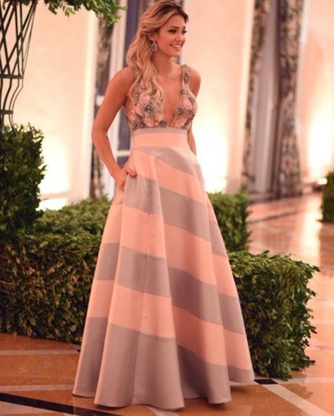 93586f5c43 VESTIDO ESTILO PRINCESA LONGO Vestidos Casuales Cortos