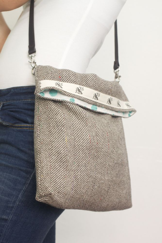 Image of bandolera tweed beige mami & co (disponible para mamis & niñas)
