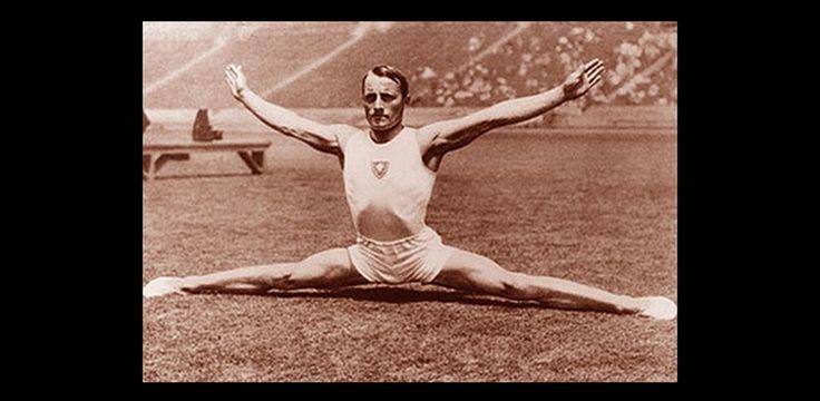 1932. Los Angeles. -  Pelle István  -  a nyári olimpiai játékokon talajon és lólengésben olimpiai bajnoki címet szerzett, és ő lett a magyar tornasport első olimpiai bajnoka. Los Angelesben még négy érmet és két pontszerző helyezést is elért. 1928 és 1936 között három olimpián vett részt.