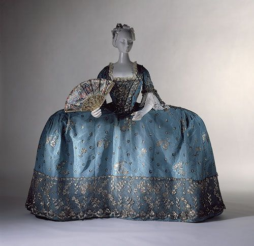 Courting Dress circa 1750. Does this make my hips look big? Look at the detail on the bodice though! Stunning.