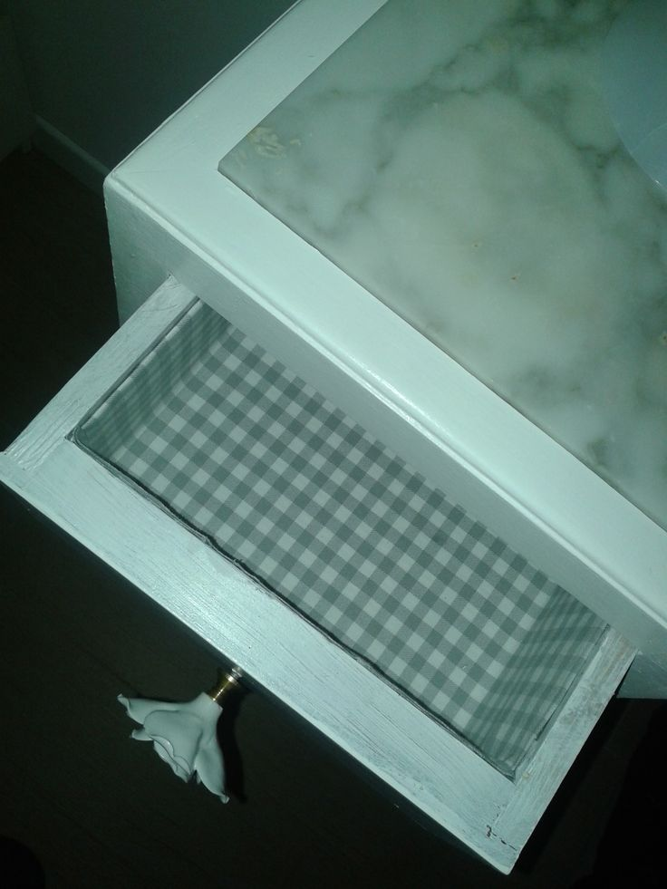 interno del cassetto rivestito di stoffa