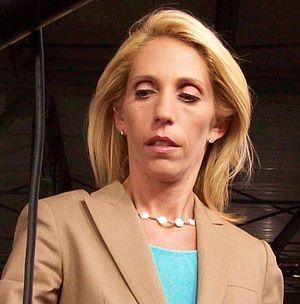 Noticia Final: Dana Bash, chefe de reportagem principal da CNN, r...
