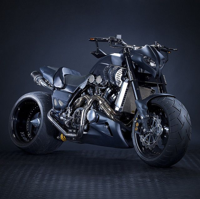 Yamaha V-Max Custom...wow!