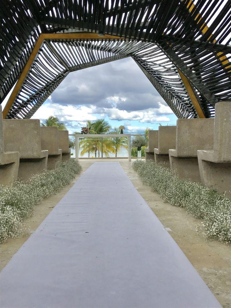 CBD224 wedding Riviera Maya baby breath ceremony aisle decoration/ decoración para camino de iglesia con nube