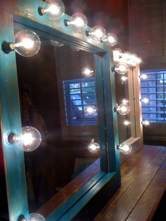 Vintage GLAM lighted mirror hollywood Dream Home
