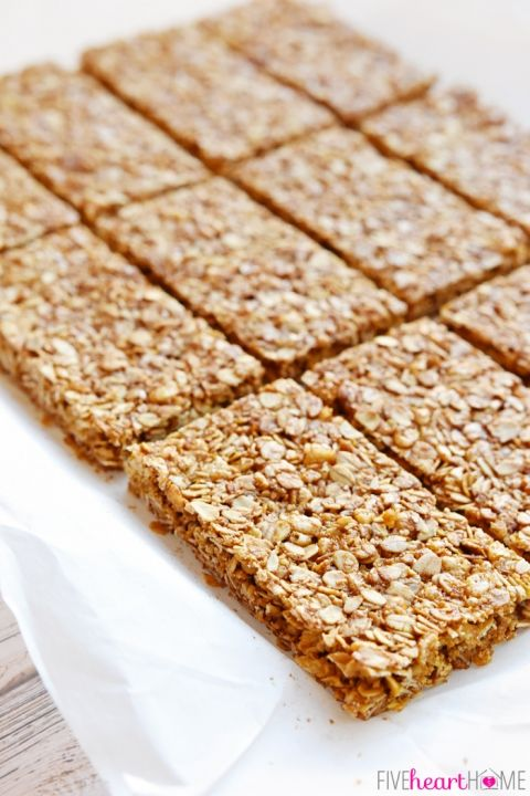 Oats and Honey Granola Bars ~ these homemade, all-natural granola bars are baked until slightly crunchy, making them perfect for breakfast-on-the-go or as a wholesome, portable snack   FiveHeartHome.com