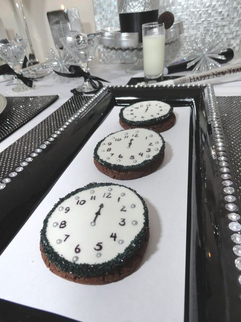 Clock Cookies at a New Year's Party #newyears #cookies