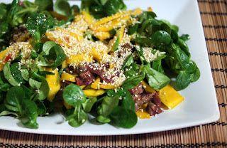 Gewoon wat een studentje 's avonds eet: Thai beef salade met biefstuk, mango, rijst, veldsla en pittige dressing