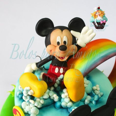 Mickey Mouse - by Bolos para Amigos by Tânia Maroco @ CakesDecor.com - cake decorating website