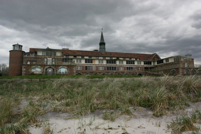 The abandoned mental hospital Seaside Sanatorium, in CT. This was a really cool property, beautiful architecture.