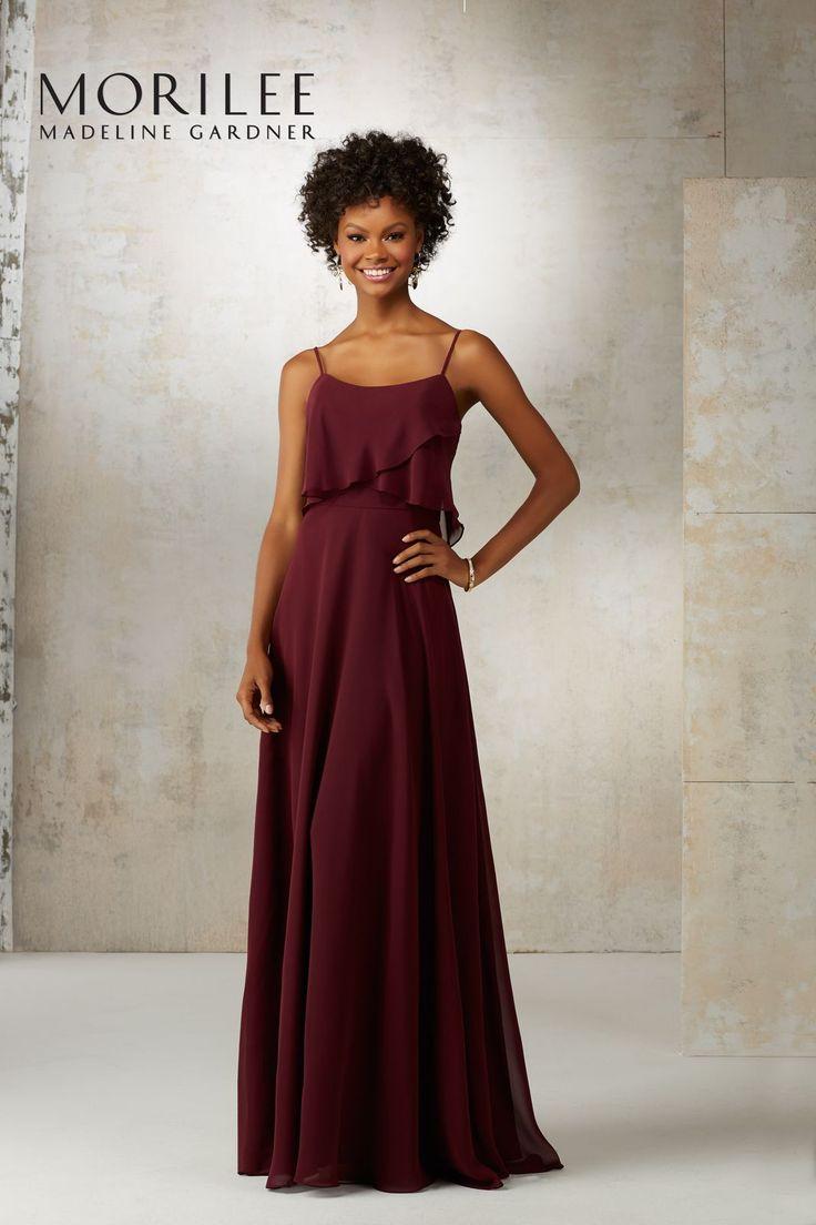 Szyfonowa, długa suknia Mori lee. Romantyczna suknia wieczorowa Mori Lee z szyfonu. Krój linii A, zwiewna i wygodna. Ramiączka zapewnią …