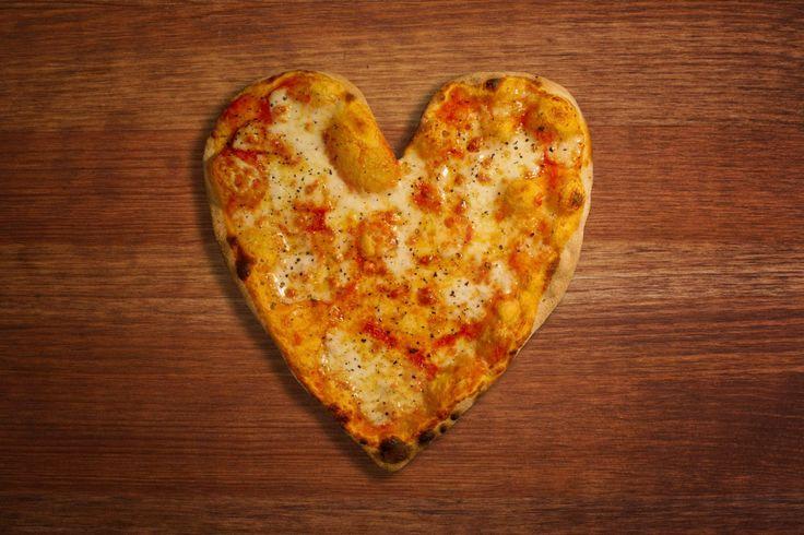 We all love pizza everyday not just Valentines Day! www.splendidpizza.co.uk