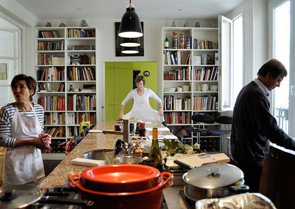 library in the kitchen..Caillat Splendid, Kitchens Tours, Kitchens Shelves, Paul Caillat, Bookcas, Kitchens Renovation, Paris Kitchens, Cookbooks Libraries, Splendid Paris