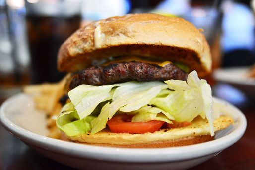 Chain Reaction: A Solid Burger at BJ's Restaurant and Brewhouse #hamburger #california