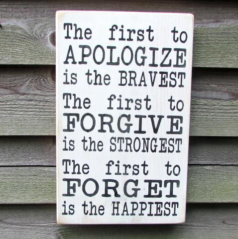 country home decor, inspirational sign, first to apoligize is the bravest, family rules, primitive country decor, rustic decor, hand painted #DIYHomeDecor #EasyHomeDecor