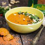 4 portioner En smakrik soppa där sötpotatisens och kokosmjölkens sötma möter stinget från chilin.