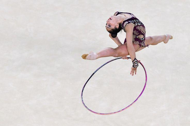 Salome PAZHAVA (GEO) Hoop