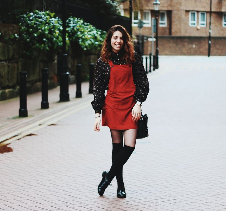 A Ruiva: If you get lost, you can always be found. outfit, london, london outfits, a ruiva blog, a ruiva, vintage outfits, overall dress, red overall dress, winter outfits