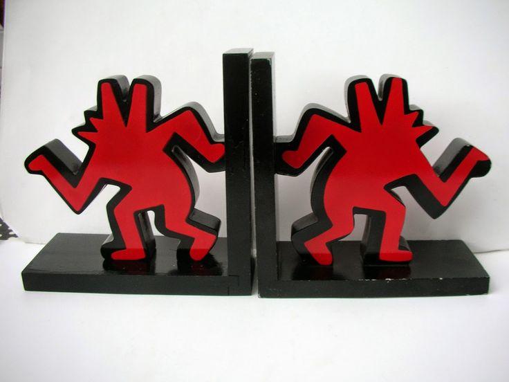 SKYSCRAPER CAPE TOWN - 20th CENTURY CLASSICS: Keith Haring Dancing Dog Bookends