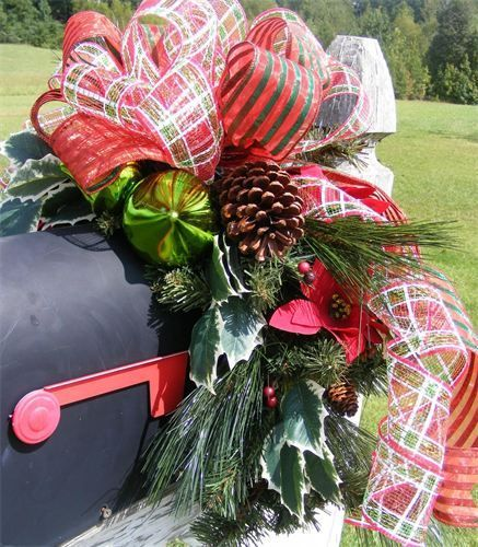 Christmas Swags Decorations: Christmas - Mailbox Swag