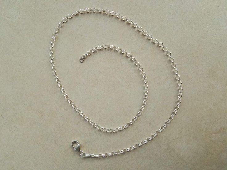 Sølvkæde (ærtekæde/ankerkæde) i sølv 45 cm. 150 kr.