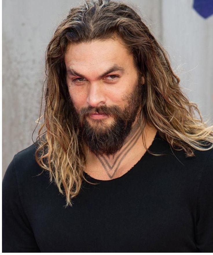 lange Haarmodelle - lange haare mann #frisuren #frisurentrends