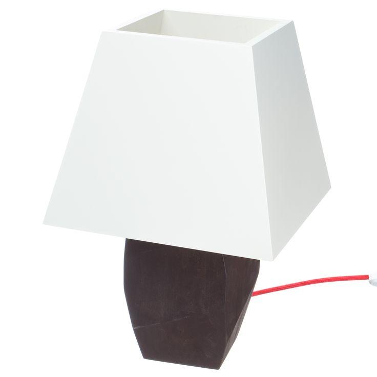 Модель: Т2 Цена: 2900 грн Модель Т2 создана для локального освещения в жилом помещении.Лучше всего будет смотреться на прикроватной тумбе, в спальне. Не просвечивающийся абажур фокусирует свет и отражает его на грани деревянного корпуса, эта игра свето -тени и фактур будет вас радовать каждый раз при использовании этого торшера. Материал: дерево (ольха) Покрытие: Масло Watco Danish Oil (USA), Морилка на масляной основе Varathane (USA) Высота: 42 см Габариты: 25 Х 25 см Длина кабеля: 1,8 м