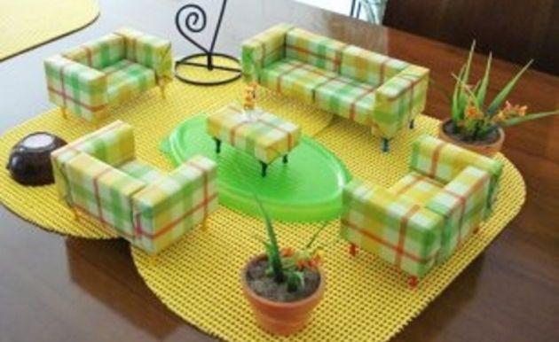 Pequeños muebles hechos con cajas de fósforos, por Sandra                                                                                                                                                                                 Más
