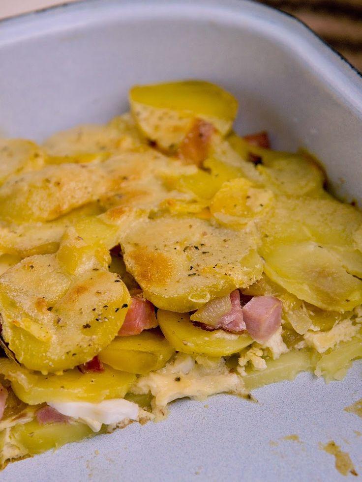 Francouzské brambory miluju od malička. Nejlepší na nich je ta chuť vařený a následně pečených brambor s vejci. Když jsem zkoušela tuhle lah...