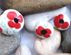 Flori de mac - cercei si inel modelate din argila polimerica.