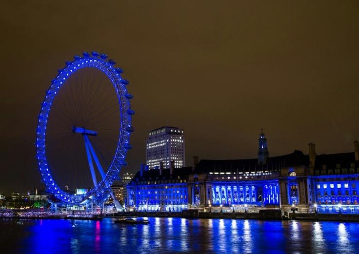 London eye, blue lights, night
