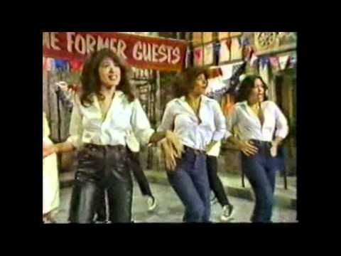Sha Na Na ~With Guest Ronnie Spector and the Ronettes.AVI - YouTube