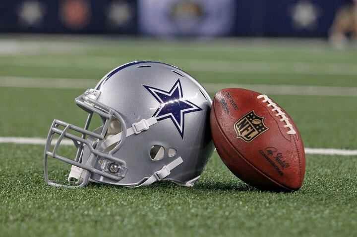 Dalas Cowboys helmet