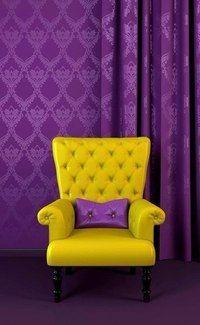 Интерьер желто-фиолетовый. Что-то в этом есть.