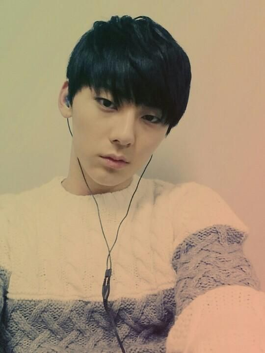 """nuestthings: """" [110814] Minhyun's Love Letter~ """" [From.민현] 추워 