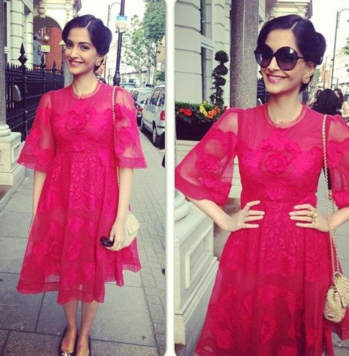 Sonam Kapoor has long been the toast of often-fashion-challenged Bollywood for her stylish looks. A series of stunning outfits for her new film's promotions prove just why. http://movies.ndtv.com/photos/why-sonam-kapoor-is-the-best-dressed-girl-in-town-15544