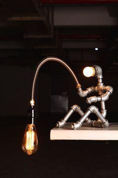 EBE Designer Industrial Lighting - Steampunk Lamp Table Lamp Edison Vintage Light Water Pipe Bedside Lamp Rustic Light Fisherman