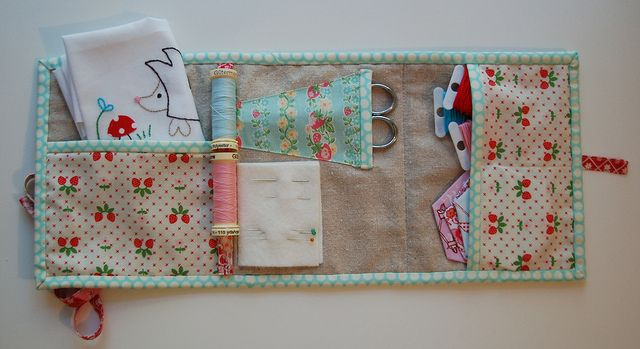 patchwork sewing envelope -- would make a nice little travel kit or a beginner kit for little girls to sew small crafts