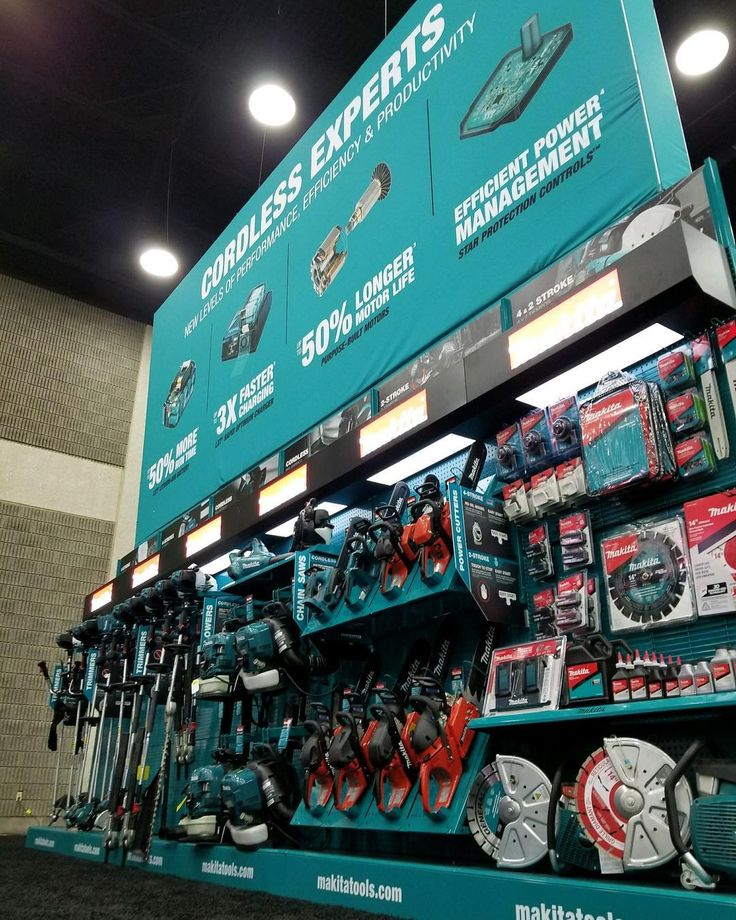 Thats a big graphic  with a big line-up of cordless 4-stroke and 2-stroke power equipment to match! If youre in Louisville for GIEEXPO stop by the Makita Booth #ruletheoutdoors #gieexpo #louisville #chainsaw #landscaping #makitausa #makitaope