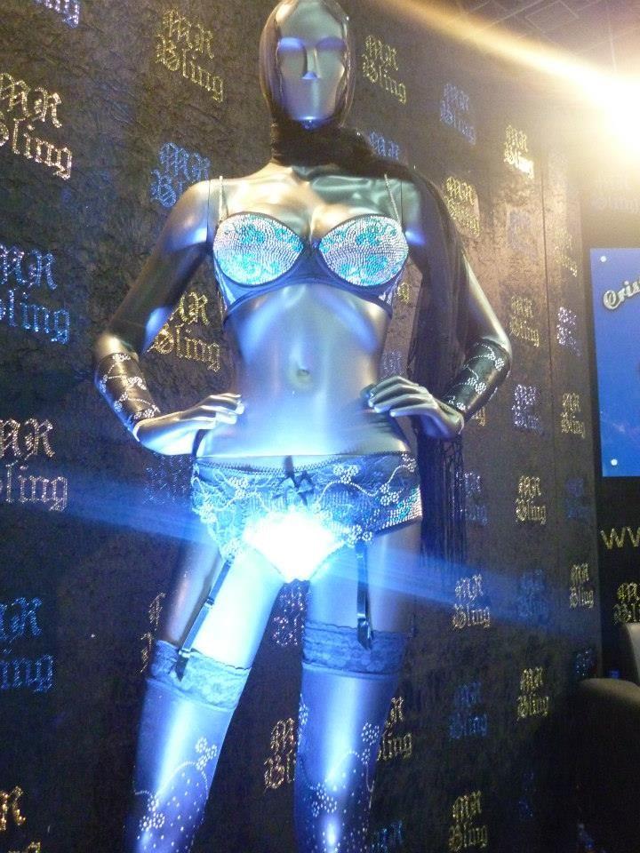 Fue un gusto participar en la feria más importante de la moda para Latinoamérica #Colombiamoda2013 brillo y moda con www.mrbling.biz