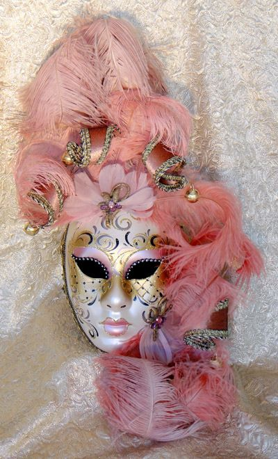 Beautiful Pink Gold and white venetian mask. #masks #venetianmasks #masquerade http://www.pinterest.com/TheHitman14/artwork-venetian-masks-%2B/