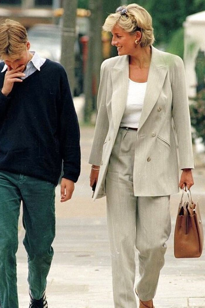 These Princess Diana Fashion Trends Will Never Get Old Princess Diana Fashion Diana Fashion Princess Diana