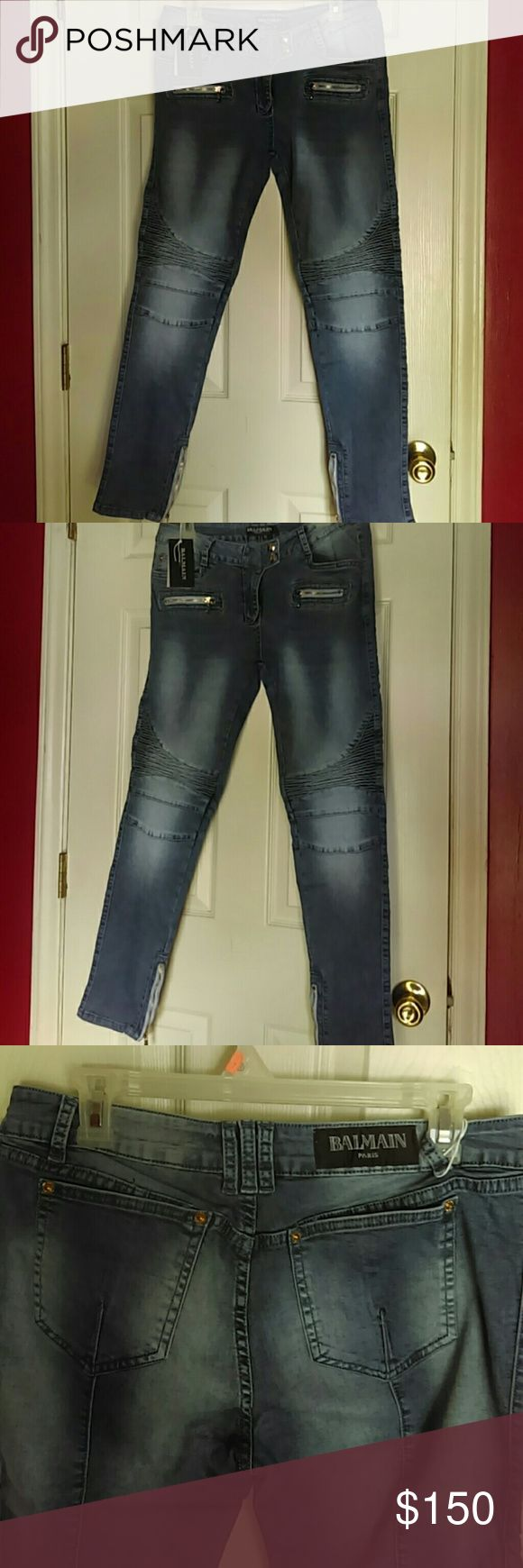 Women Balmain Denim Moto Jeans Denim Balmain skinny jeans...moto design.. gold zipper on pockets and the front..Also zips up at the angle which is in gold also pic#6..authentic has the original tags attached...Never worn just tried on..Has stretch to them...These are much wanted jeans and they are trending right now!! They ate size 32 but can git between a 30..31 also...just depends on how u like ur jeans to fit... Got to sale them...pls be reasonably when offering... Balmain Jeans Skinny