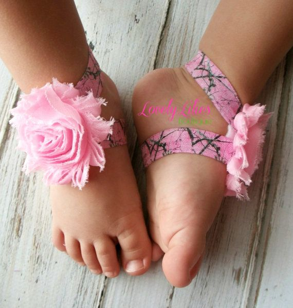 Baby Barefoot Sandals .. Pink Real Tree Camo.. Toddler Sandals .. Newborn Sandals .. Baby Flower Sandals