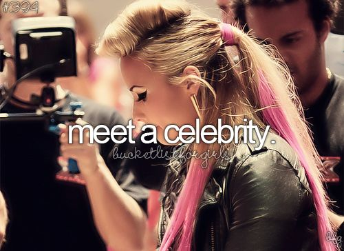 I wanna meet so many!! Like Demi Lovato, Justin Bieber, One Direction, Bella Thorne, Zendaya, Cody Simpson, R5, Fifth Harmony and lots more <3