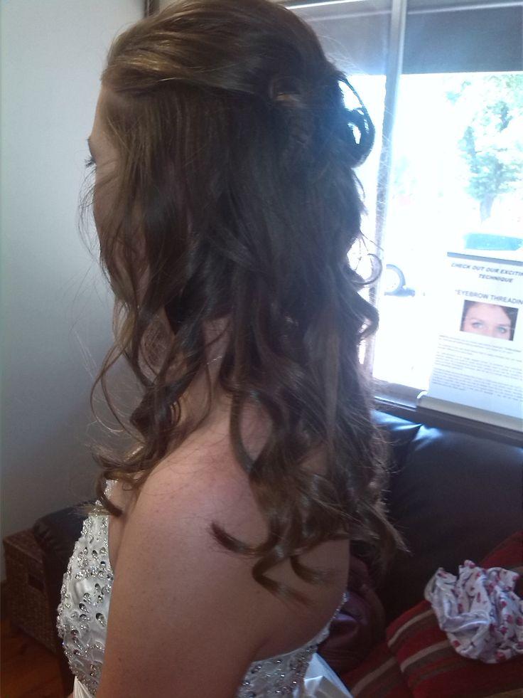Soft curls / formal hair.