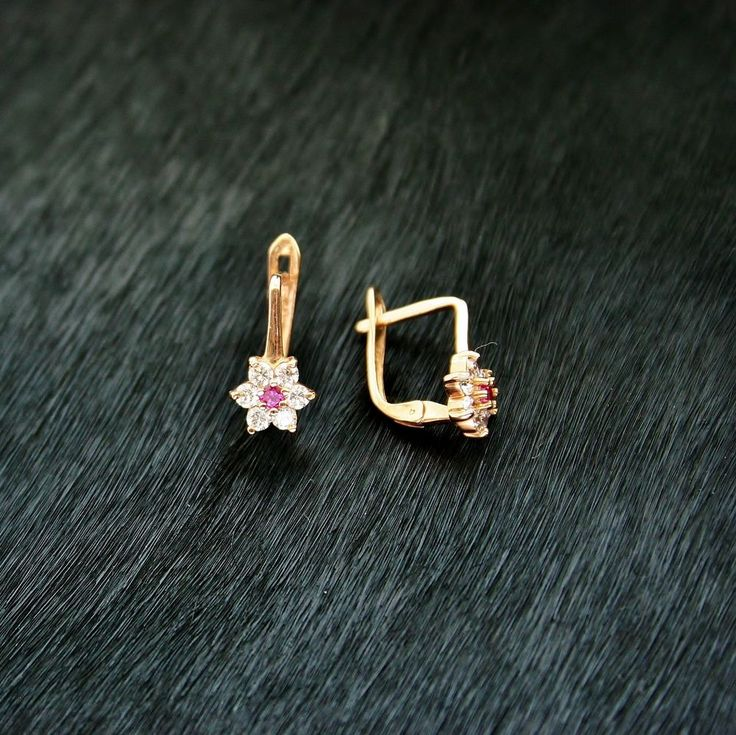 http://www.bfashionista.com/ Beautiful earrings