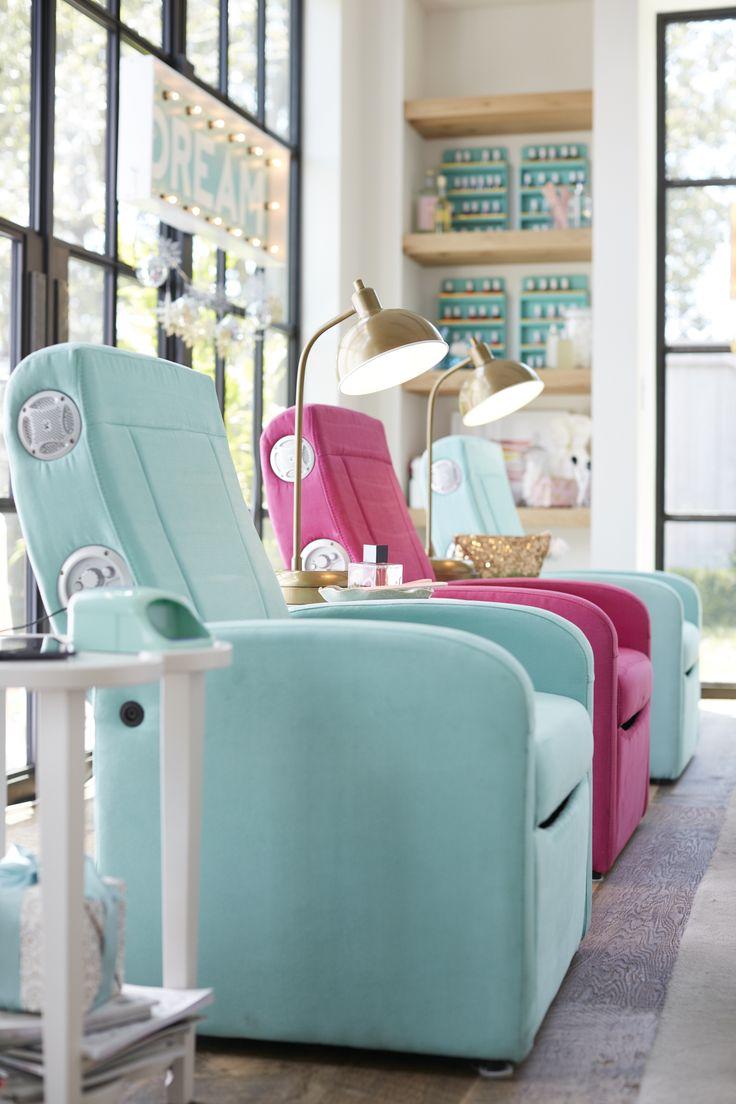 Best 25 pb teen bedrooms ideas on pinterest pb teen pb - Teenage bedroom furniture with desks ...