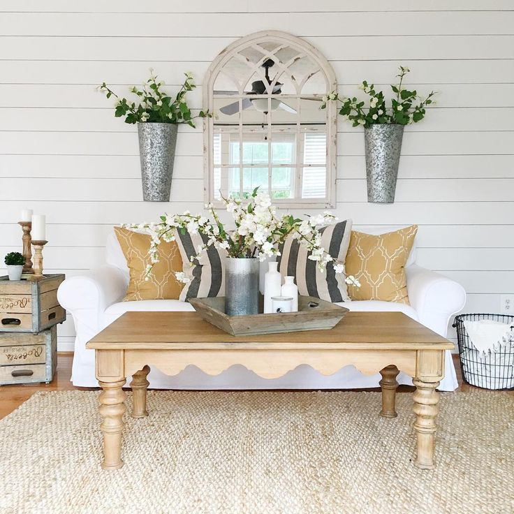 Farmhouse Living Room Wall Decor: Best 25+ Farmhouse Family Rooms Ideas On Pinterest
